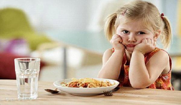 10 nguyên nhân khiến trẻ biếng ăn các mẹ đã biết chưa ?