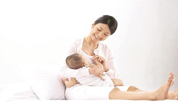 Tại sao nuôi con bằng sữa mẹ là tốt nhất?